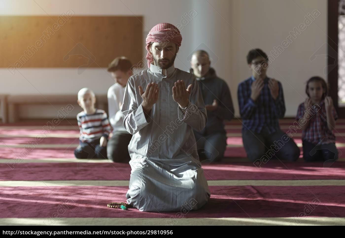 muslim, people, praying, in, mosque - 29810956