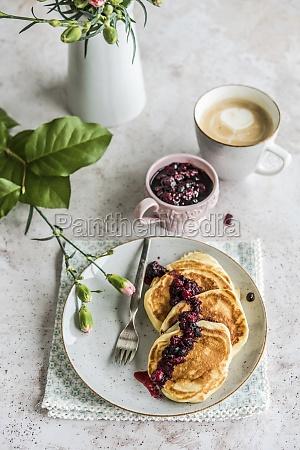 pfannkuchen, mit, waldfrüchten - 29876510