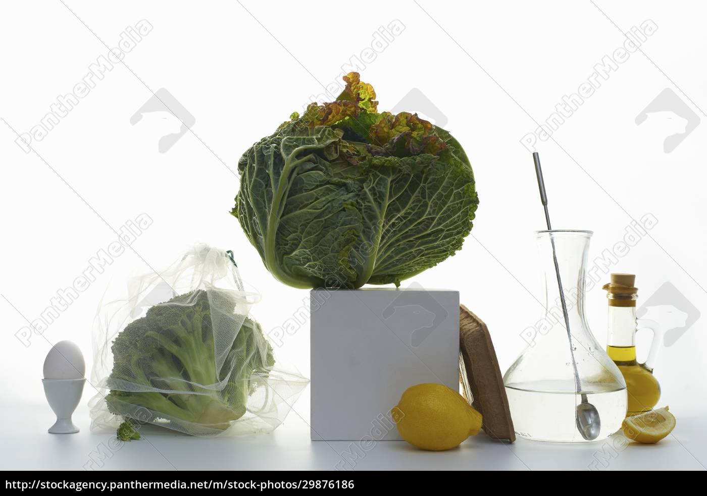 stillleben, mit, weißkohl, brokkoli, und, zitronen - 29876186