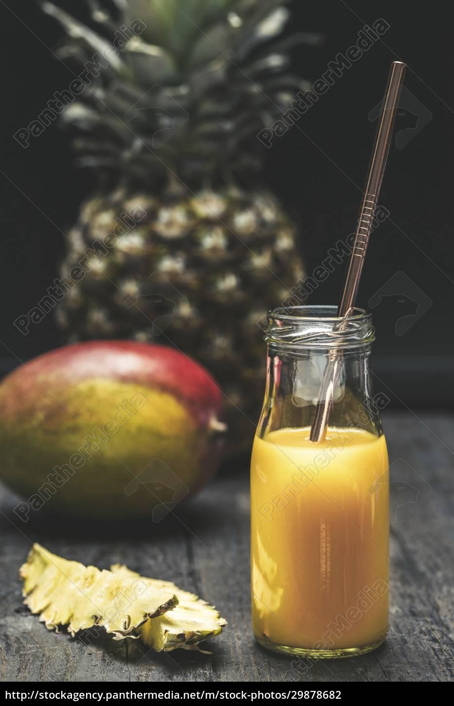 ananas-mango-smoothie - 29878682