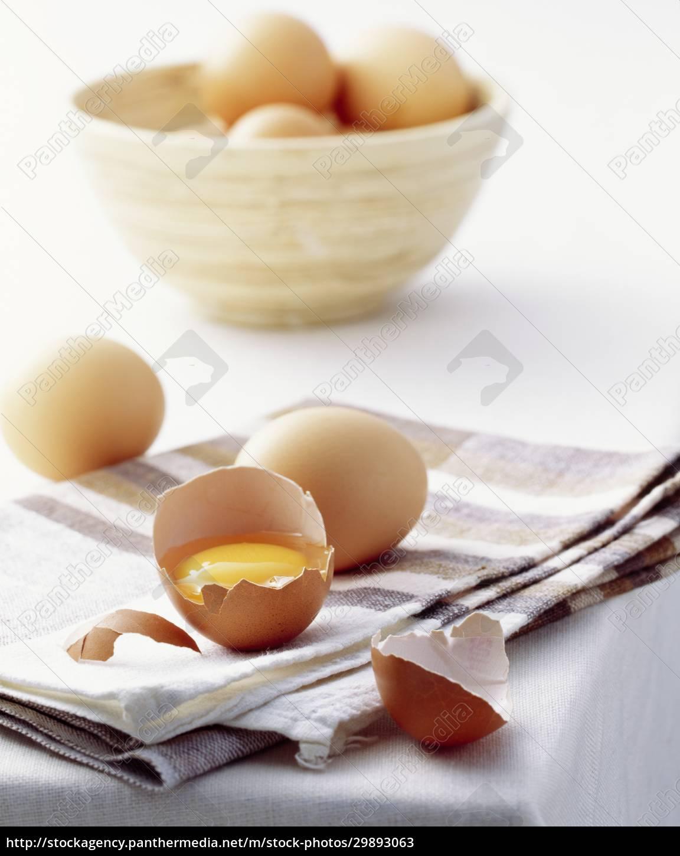 ein, stillleben, mit, braunen, hühnereiern, ganz, und - 29893063