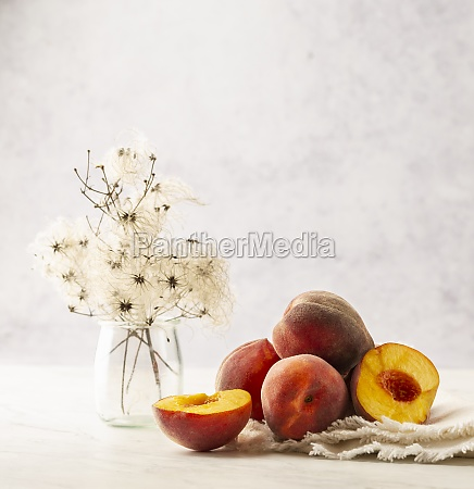 peaches stillleben