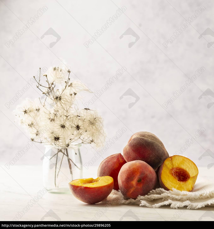 peaches, stillleben - 29896205