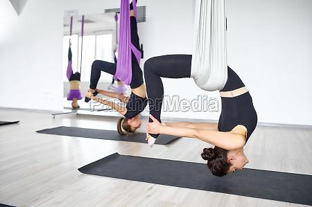 luft anti schwerkraft yoga weibliche s