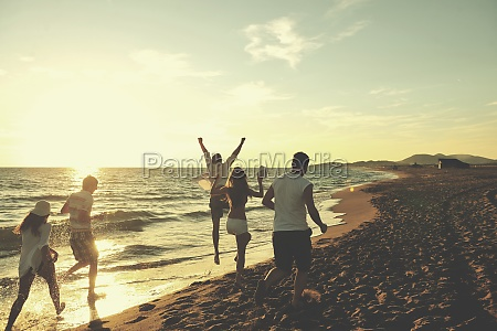 people, group, running, on, the, beach - 30062618