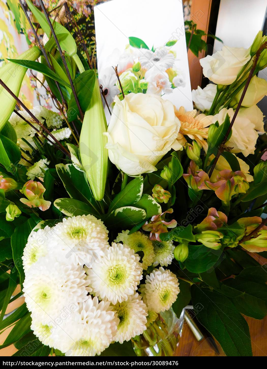 , the, bouquet, as, a, sign - 30089476