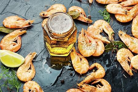 boiled, shrimp, and, light, beer - 30134045