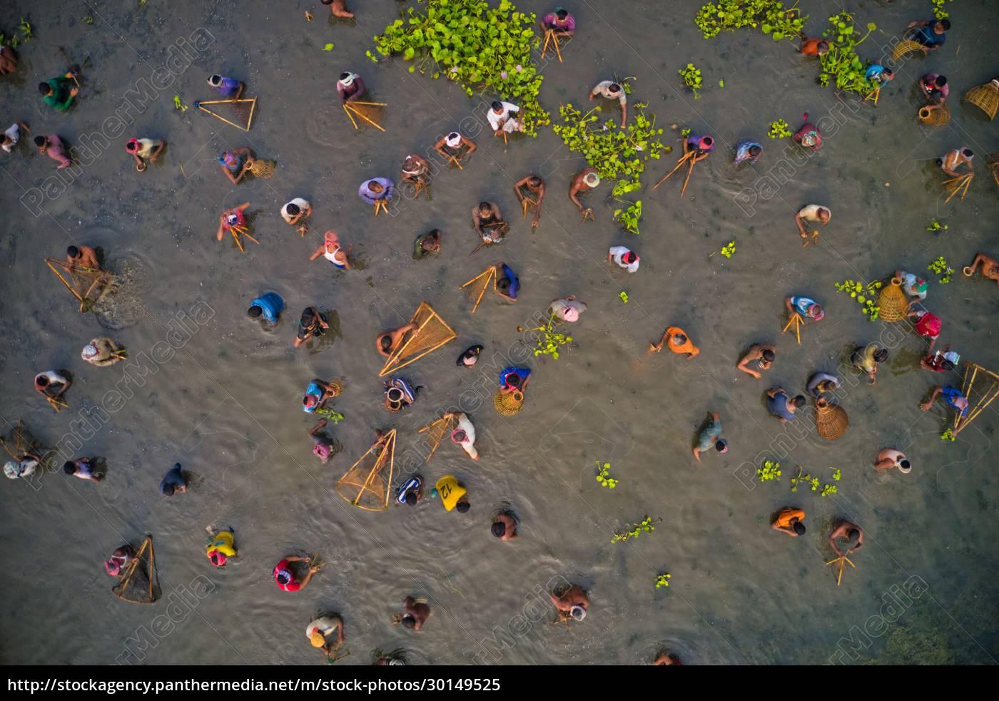 aerial, view, of, people, fishing, in - 30149525