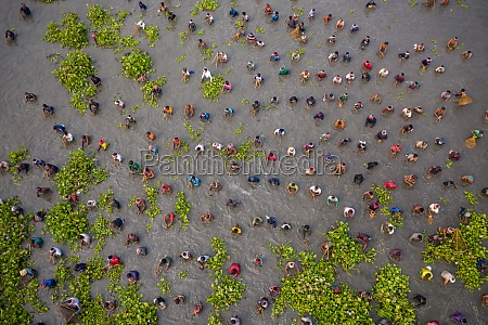 aerial, view, of, people, fishing, in - 30149526