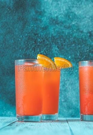 glas alabama slammer cocktail garniert mit