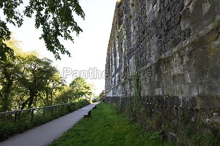 die ruine der kaiserpfalz kaiserswerth im