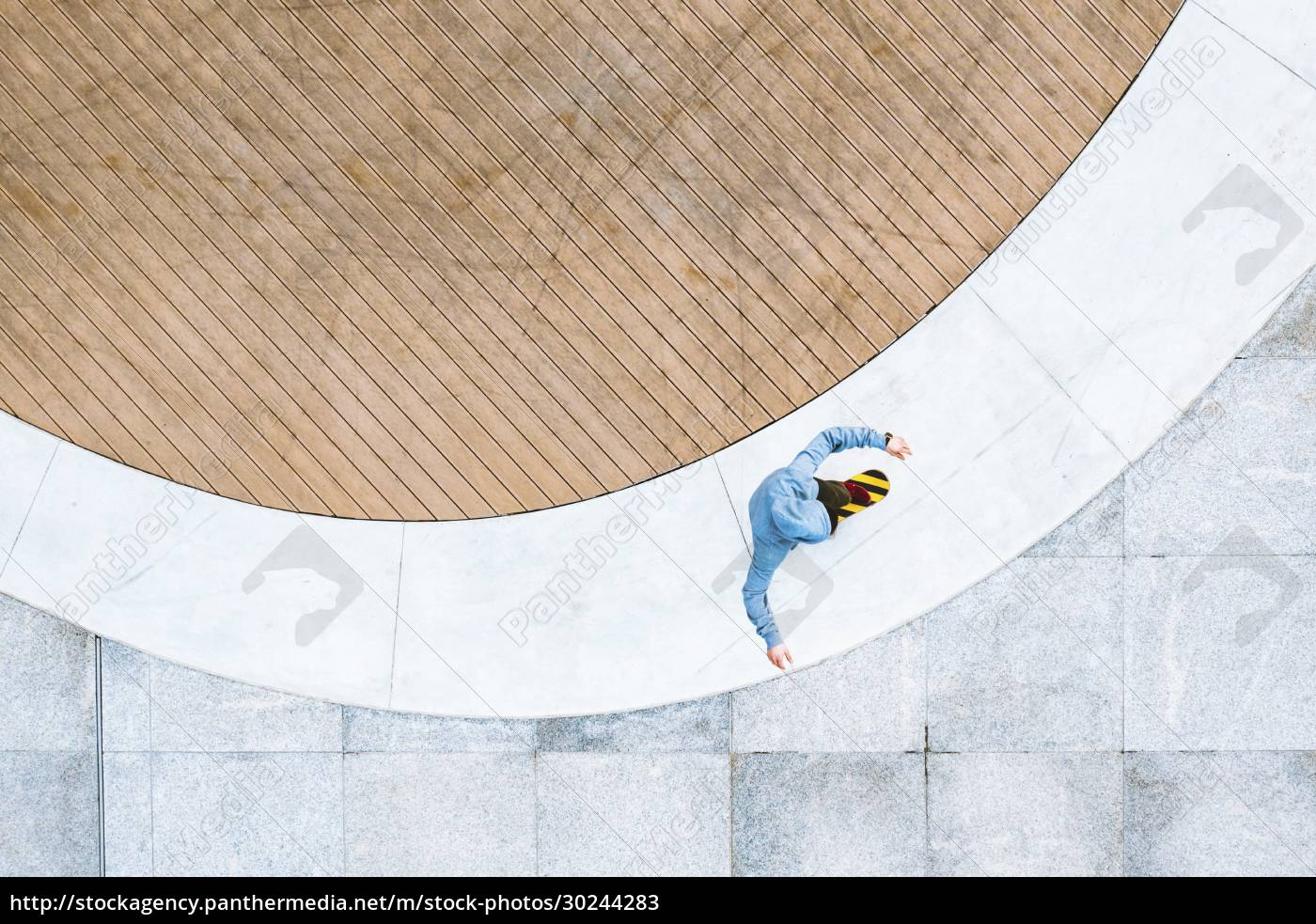 aerial, top, down, view, of, skateboarder - 30244283