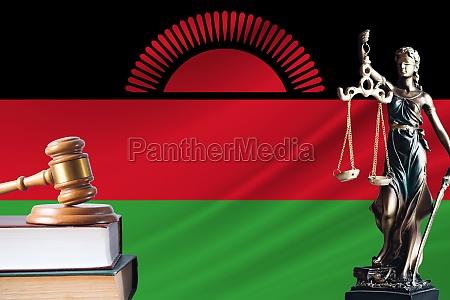 recht und gerechtigkeit in malawi statue