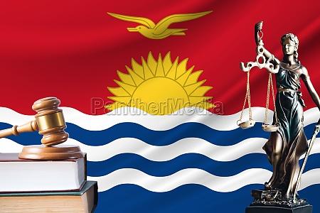 recht und gerechtigkeit in kiribati statue