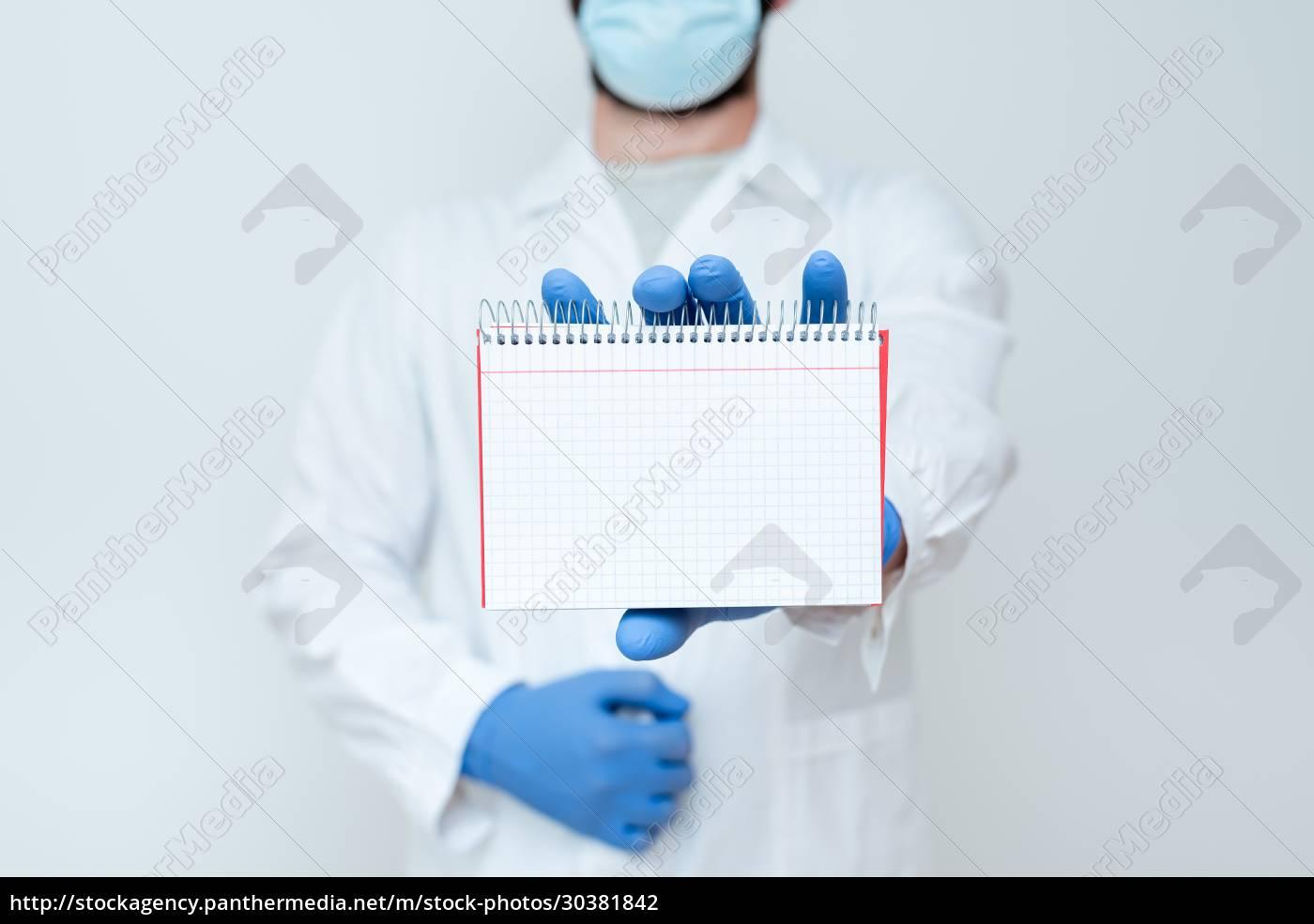 wissenschaftler, präsentiert, neue, forschungsergebnisse, chemiker, plant, vorausverfahren, schreibt - 30381842
