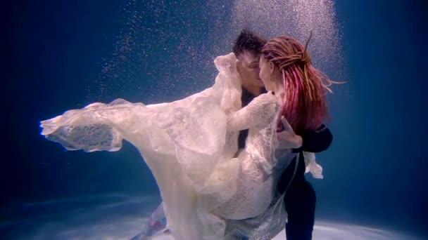 schwimmbad hintergrund farbenfroh reflexion romantik jung