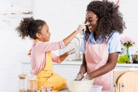 schoen weiblich menschen lebensmittel kueche kochen