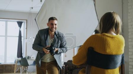 Fotografie, glücklich, Ausrüstung, Halten, Person, Schuss - B179648434