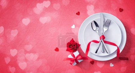 Tisch, rot, Hintergrund, eingestellt, Geschenk, Gestalt - B329926898