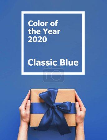 farbe blau hintergrund ansehen papier geschenk