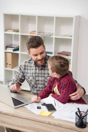Freizeit, Tisch, Aktivität, Computer, jung, Erwachsene - B152080494