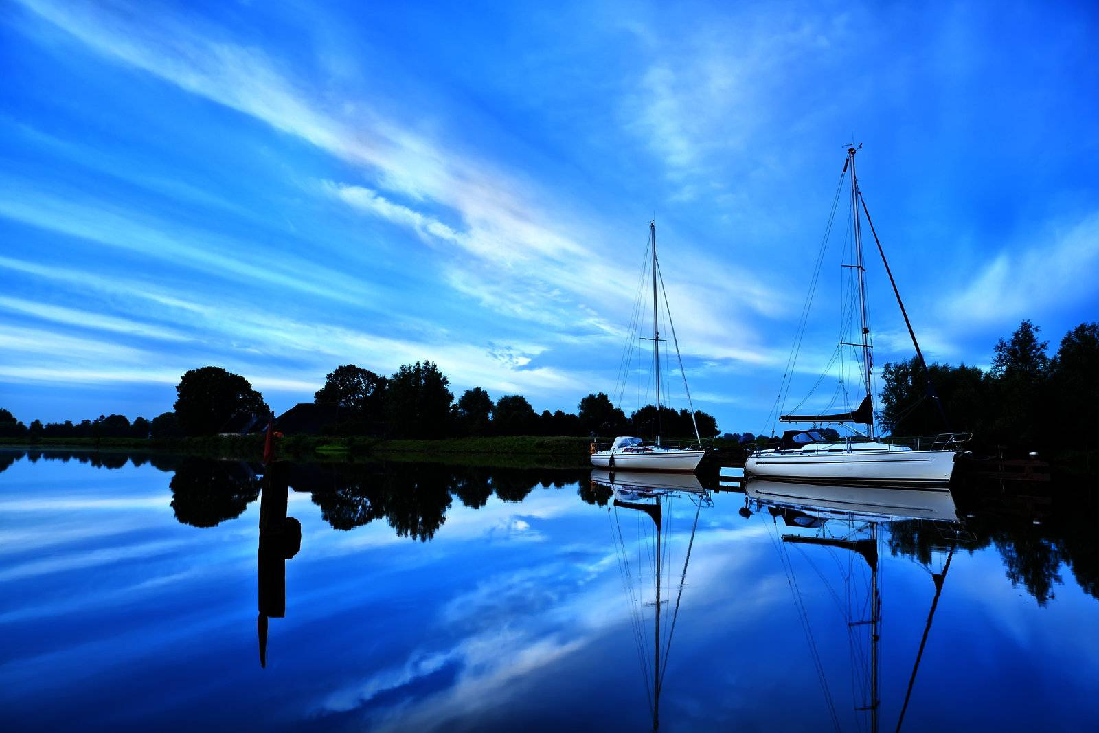 yacht, boat, ship, river, canal, water - D8215064