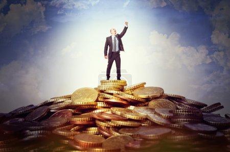 geld himmel gluecklich unternehmen gold laechelnd