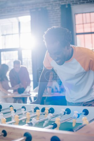 Spiel, Freizeit, Wettbewerb, Spielen, Unternehmen, Lächelnd - B313998928