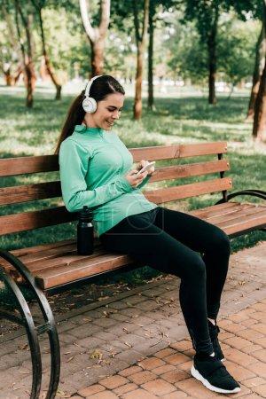Freizeit, Freizeit, Aktivität, Unterhaltung, Mädchen, Lächelnd - B381824974