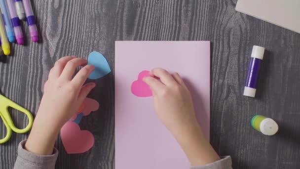 papier geschenk veranstaltung gluecklich urlaub nahaufnahme