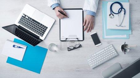 computer ansicht leer ausruestung krankheit medizinisch