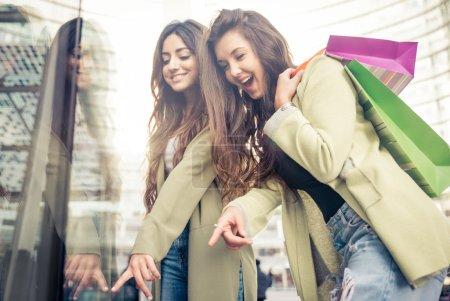 spass weiss einkaufen konsumdenken schoen gluecklich