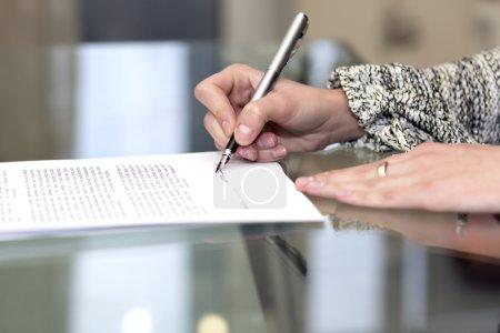 Tisch, Papier, Glas, Reflexion, Unternehmen, Kunde - B69378119
